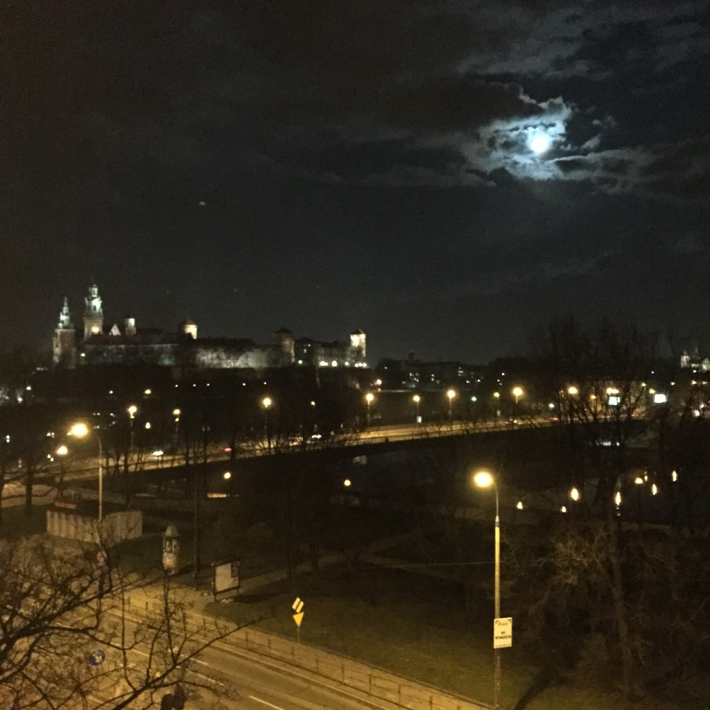Nocą widok był jeszcze lepszy.